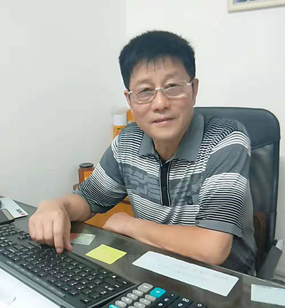 校长周玉岭老师